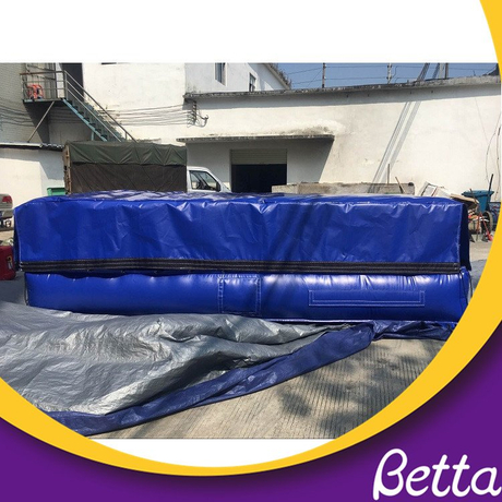 Giant trampoline park jump airbag for safety - Buy ...