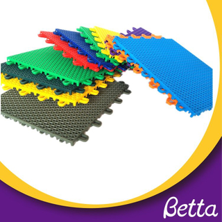 Bettaplay Interlocking plastic pp sport floor tiles grid
