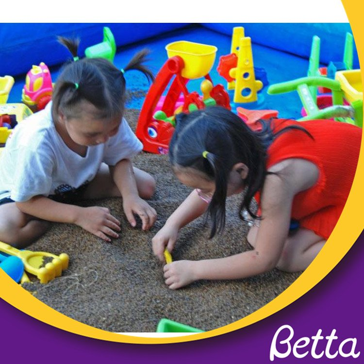Beach Summer Outdoor Plastic Sand Toy Beach Game Toy for Kids