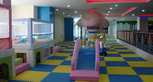 Shopping mall kids-paly-area