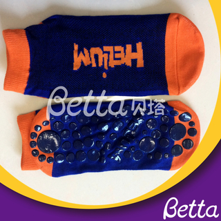 Safety Anti-Slip Trampoline Socks Customized for Trampoline Park