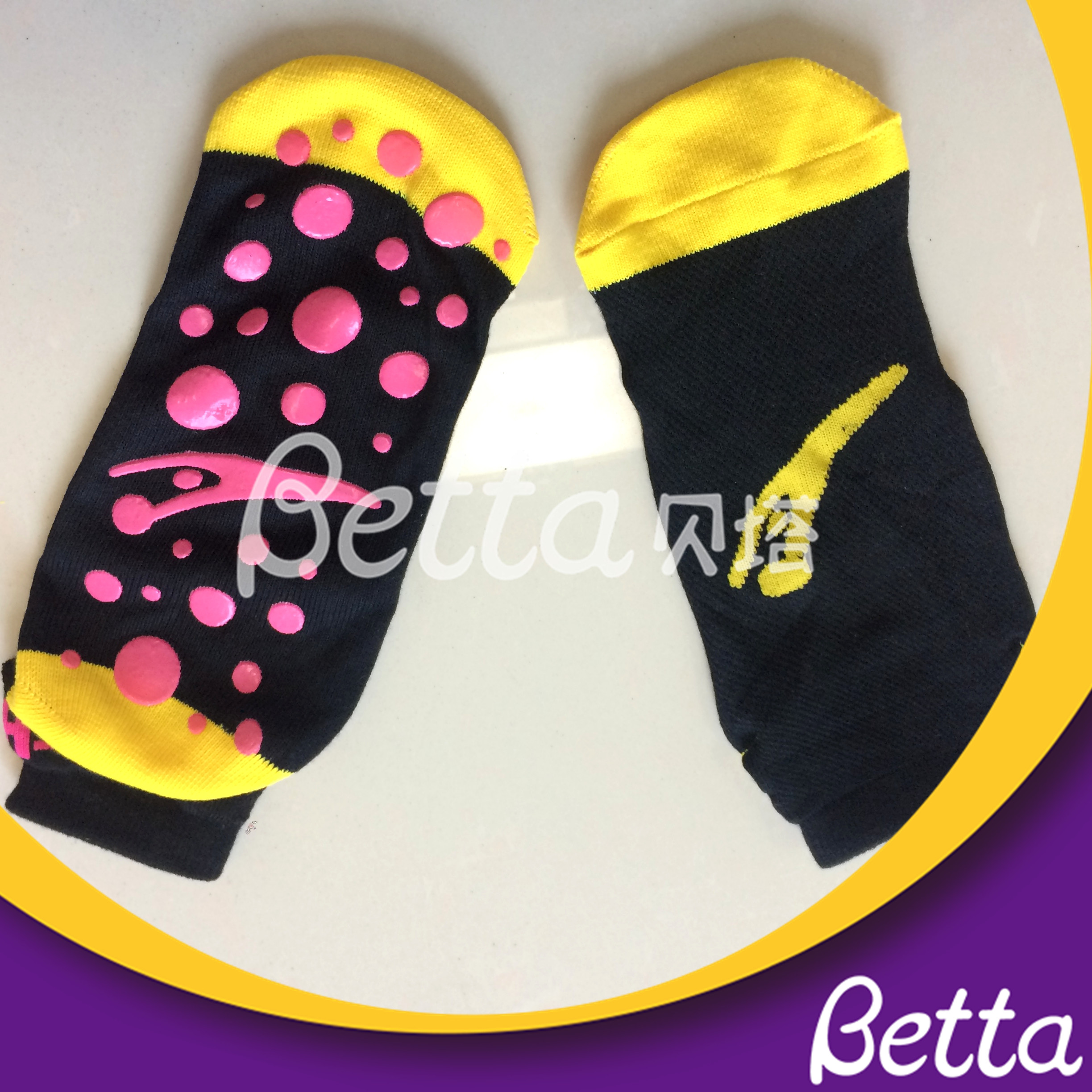 Safety Anti-Slip Customized Trampoline Socks for Children And Adults Trampoline Park